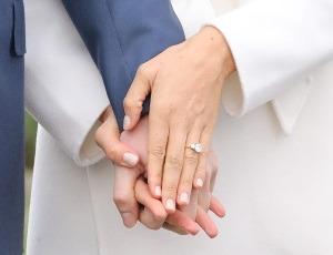 Printul Harry se casatoreste cu actrita Meghan Markle!