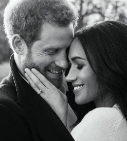 Asa arata dragostea! Imagini de la sedinta foto oficiala a printului Harry cu Meghan Markle!