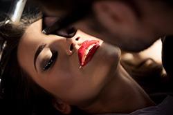 NU te saruta in timpul sexului? Iata ce inseamna!