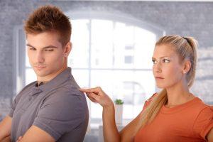7 dintre cele mai daunatoare tactici narcisiste de manipulare7 dintre cele mai daunatoare tactici narcisiste de manipulare