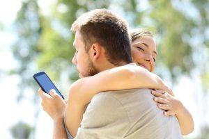 Cum gestionezi corect episoadele de gelozie ale iubitului
