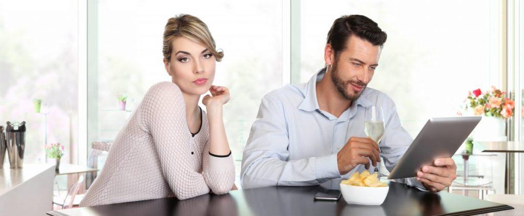 Cat e flirt si cat e inselat?