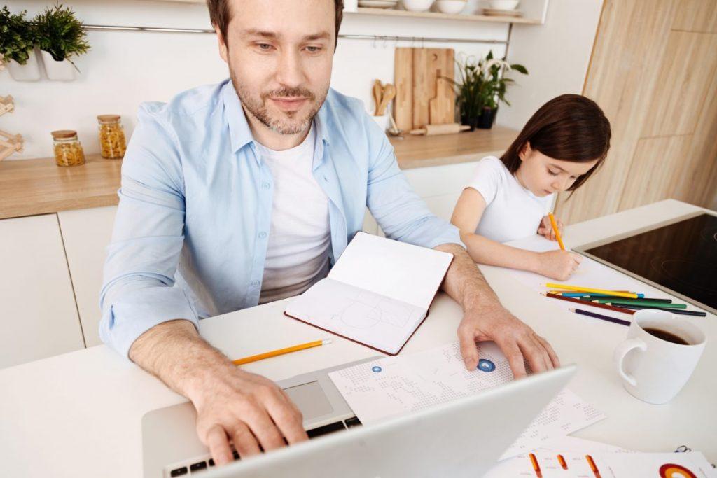 Ce învaţă copiii din relaţia părinţilor?