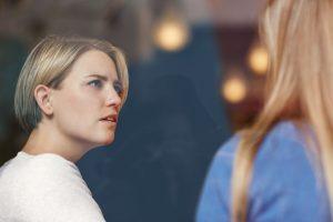 Ai grijă de cine te îndrăgostești! – sfaturile unei femei pentru celelalte femei