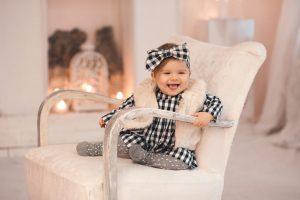 Cum îmbraci bebelușul în sezonul rece?
