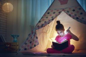 Cum dezvolţi copiilor dragostea pentru lectură