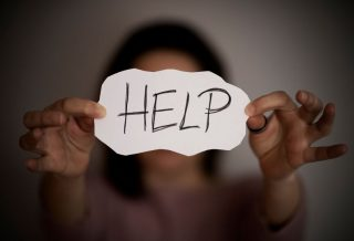 abuz, violentă domestică, violenta asupra femeilor, victimă, femei abuzate, tipuri de abuz, agresor, agresivitate, sănătate psihică a victimei, sănătatea psihică a femeii abuzate,