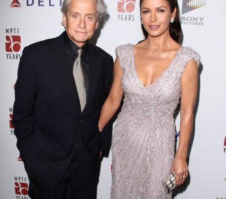 Catherine Zeta-Jones şi Michael Douglas